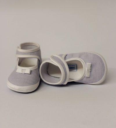 Zapato-bebé-niña-gris-claro