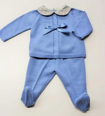 Conjunto-polaina-lana-azul-con-cuello-bebe-flores