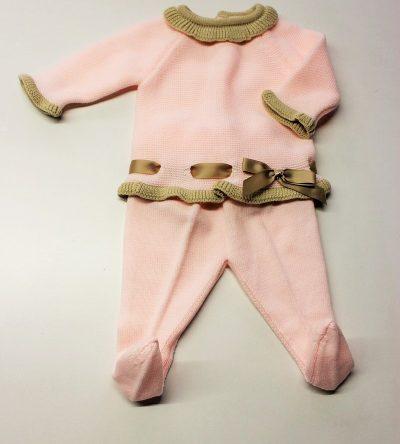 Conjunto-polaina-lana-rosa-con-detalles-camel
